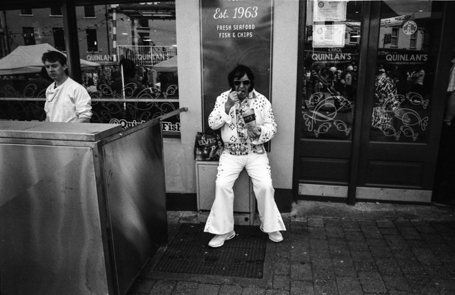 Wally cassidy street photography the other half lives wally cassidy street photography